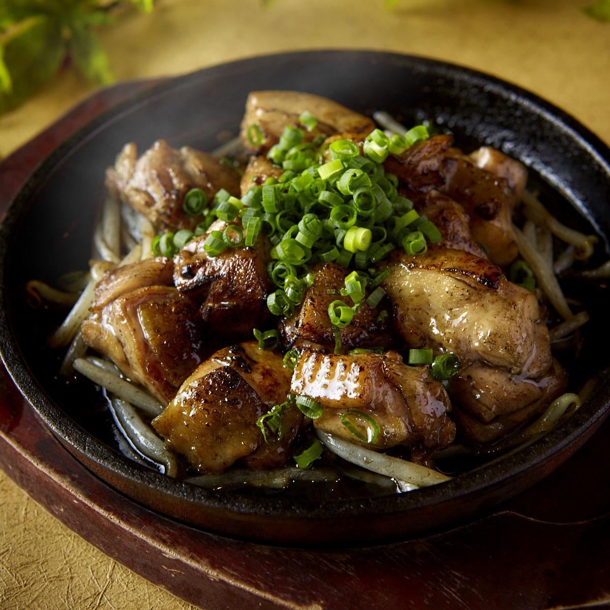 鶏もも肉の鉄板焼き
