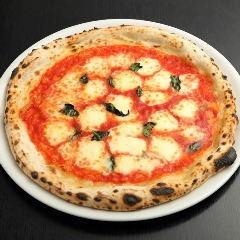 Margherita of crispy cheese
