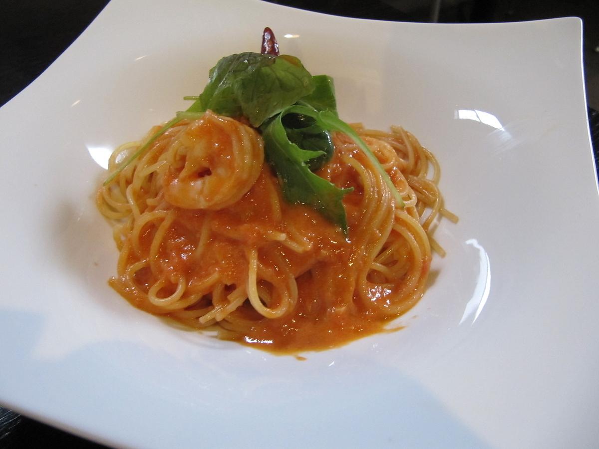 Prawn tomato cream pasta