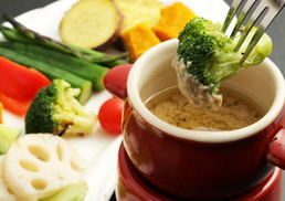 【Lunch Set】 All you can eat grilled vegetables in Bagna cauda or cheese fondue & Main dish from pizza or pasta or steak ♪