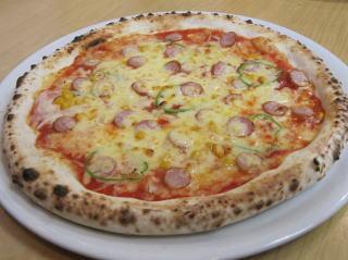ウインナーソーセージと野菜のピッツァ