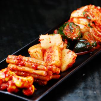 Five kinds of giant kimchi