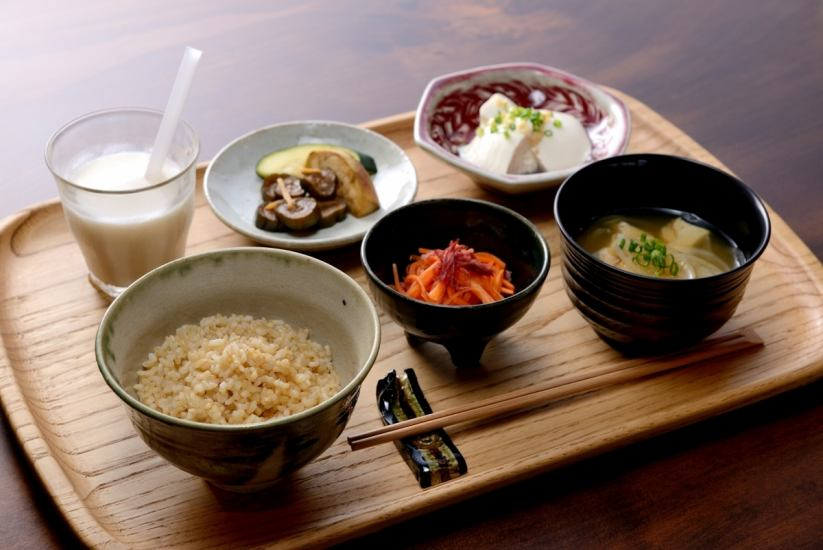 Collaboration of food and manufacturing in the Takahashi River basin, centered on natural cultivated rice ...