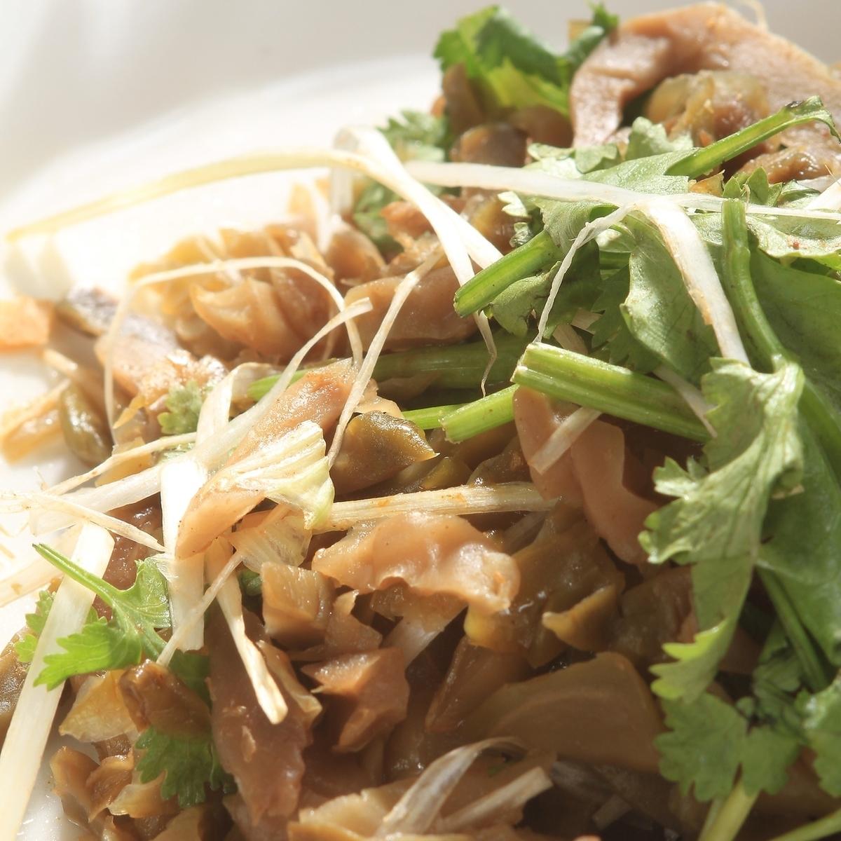 박지성과 자사이 무침, 오이와 박지성 샐러드