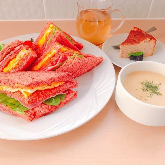 自家製パンで作った薬膳サンドウィッチ◎