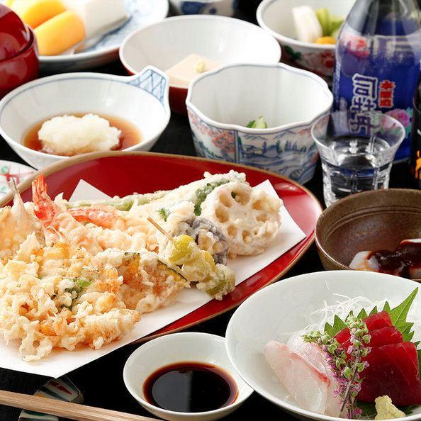售价3,800日元起。豪华午餐时间的时刻。