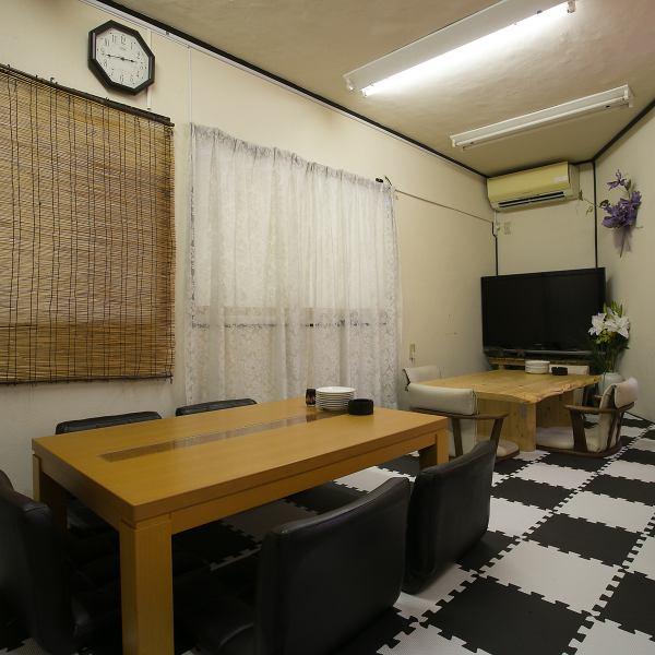 JR常磐線亀有駅と京成本線お花茶屋駅よりアクセス可能です。すき屋さんとロイヤルホストさんが見える通り沿いにある、ピンクの建物が当店の目印です。