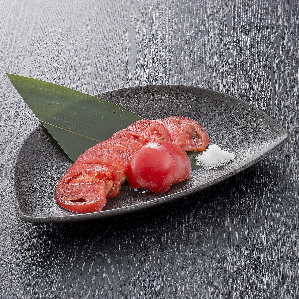 成熟蕃茄變冷的蕃茄