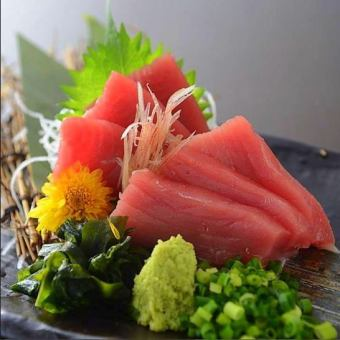 Sashimi of bluefin tuna