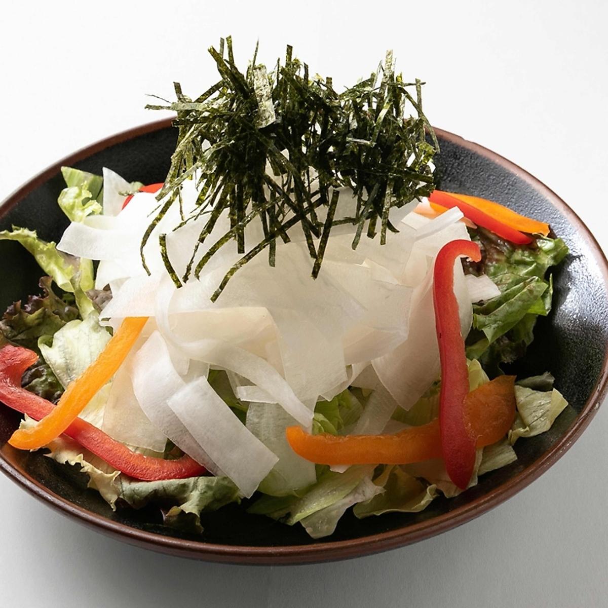 Gachi盛蘿蔔沙拉