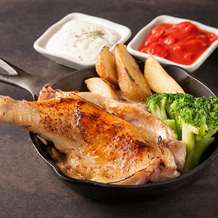酔っ払い鶏の骨付きもも肉一本焼き