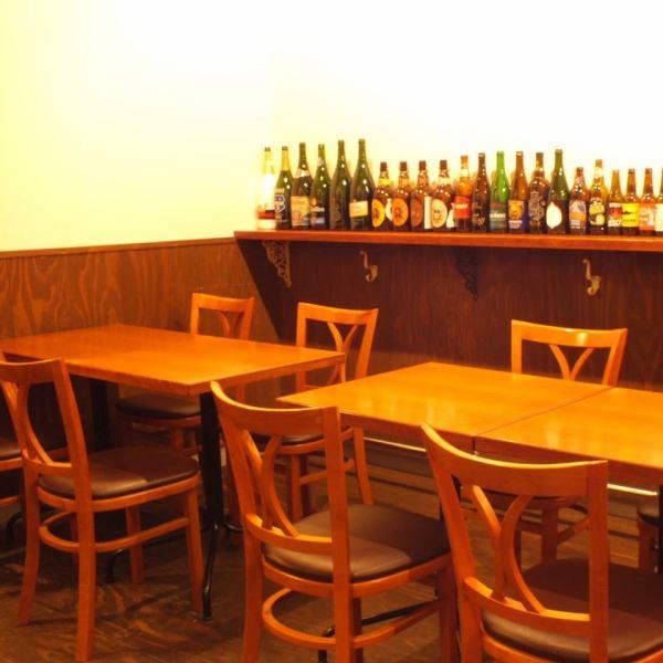 這是一個可容納2至10人的桌椅。我們正在等待您準備美味的啤酒和自豪的美食♪享受與您的朋友。由於有各種課程,請不要猶豫,請問宴會等☆