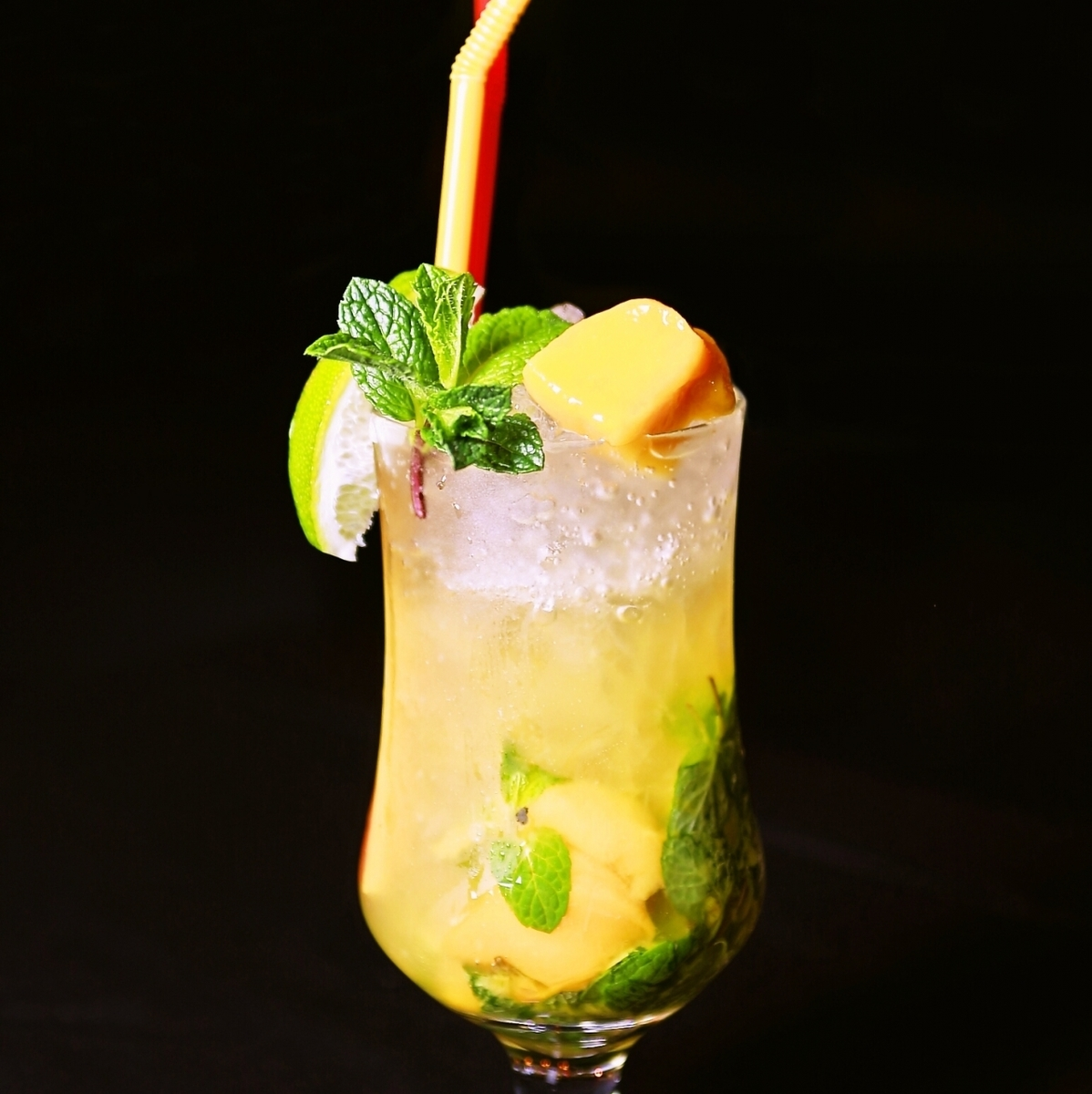 Tropical mood with fresh mango ★ Mango mojito