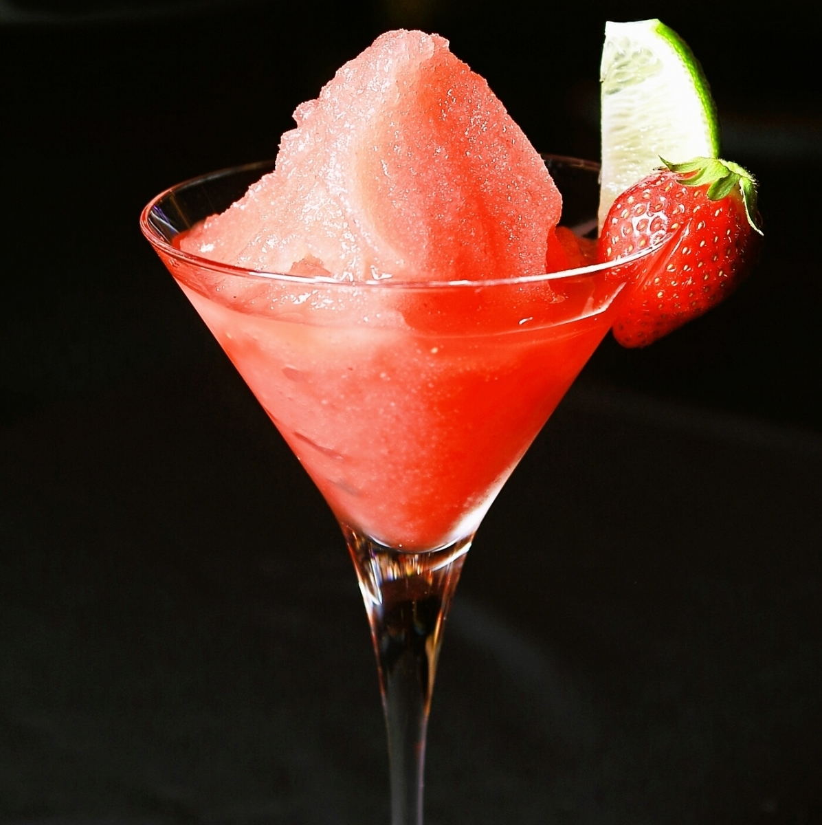 Dessert style cocktail ☆ Frozen strawberry margarita Strawberry Margarita ♪