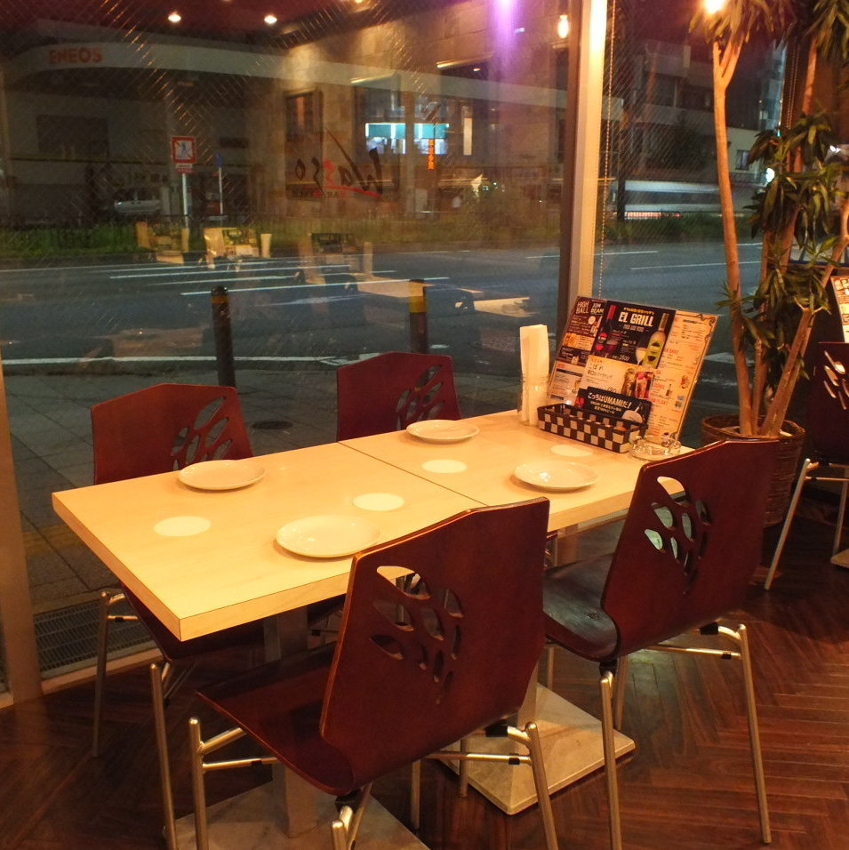 【10 ~ 20 people: Medium, big banquet scenes】 You can sit together even in large numbers ♪ We have an easy-to-use store arrangement available at official drinking party such as company banquet etc ♪ Sofa seating is also available We will have a wonderful time without getting tired ★