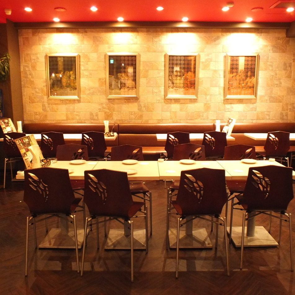 【20 ~ 30 people: Medium, Banquet scenes】 You can sit together even in large numbers ♪ We have an easy-to-use store arrangement available at official drinking party such as company banquet etc ♪ Sofa seats are also available We will have a wonderful time without getting tired ★