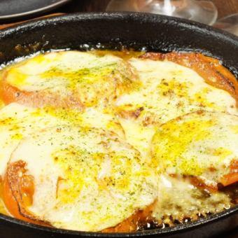 烤番茄和塔巴斯科奶酪