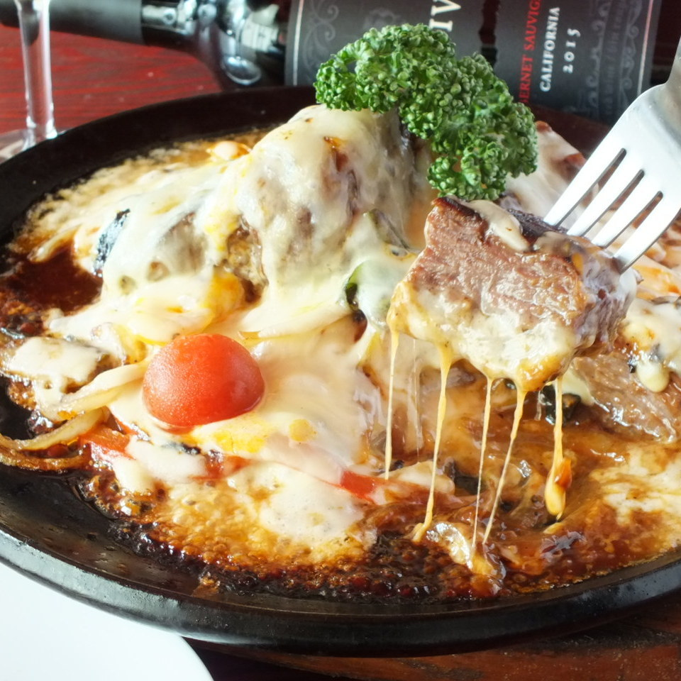 Meat × cheese's strongest collaboration! Steak fondue