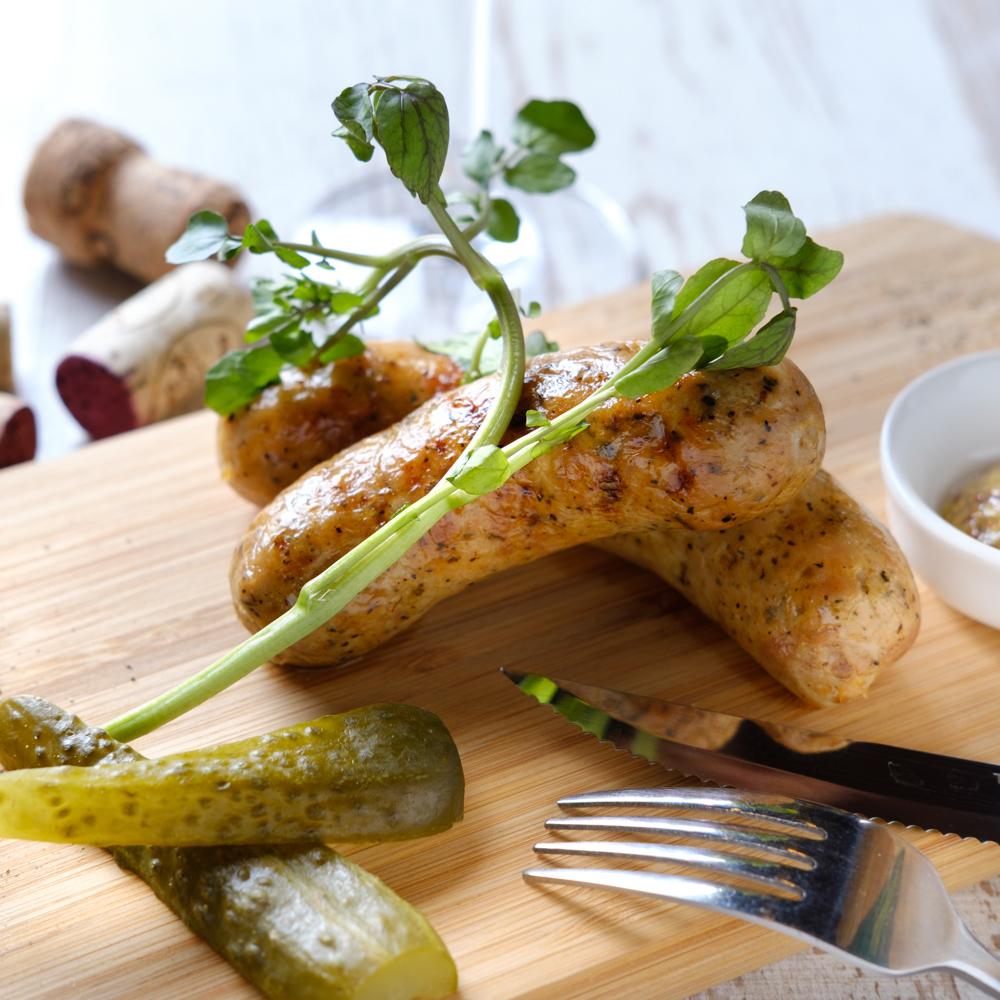 鶏肉で作った自家製ソーセージ炭火焼き