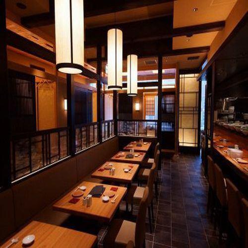 KITTE에 갑자기 나타나는 순 일본식 공간.復原 한 도쿄역 마루 노우치 역사를 바라 보면서 일본 정서를 느끼는 한때를 ...