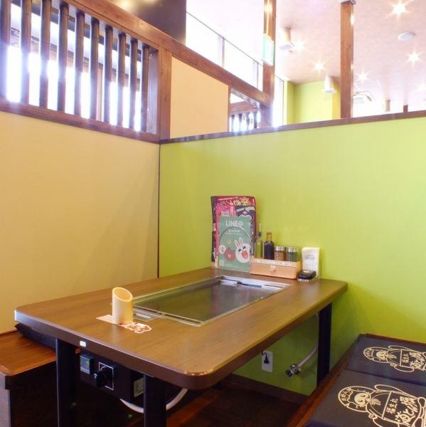 テーブルごとに仕切られた【ボックス】のお席を多数ご用意!!!周りを気にせずに、ゆっくりとお食事をお楽しみいただけます。※~4名様までのお席となります。