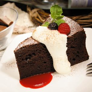 Classic Gateau chocolat ~ 4 kinds berry sauce ~