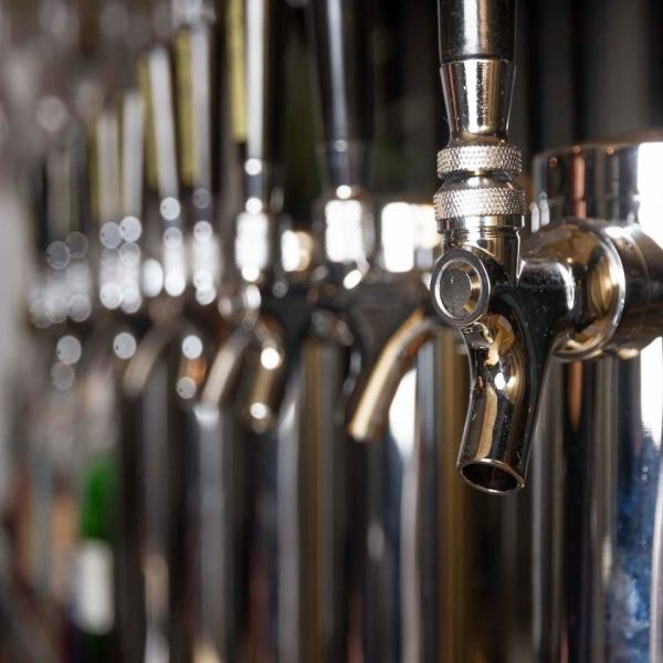 【小樽!不尋常的海外工藝啤酒8種】是關西罕見的海外工藝啤酒專用店。今天我們將準備一杯新鮮水果♪♪