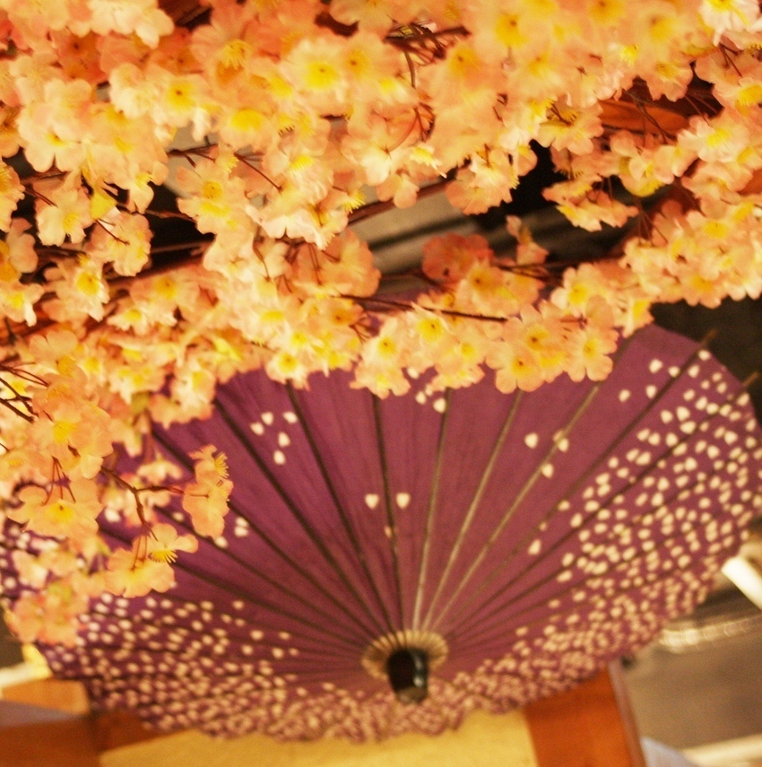[Atmosphere information] Flower objects scattered inside the shop.Please enjoy your meal slowly in a fantastic space.