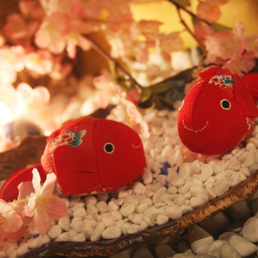 [氣氛信息]散落在店內的花卉物品。梅田的私人房間裡有各種各樣的飲酒派對,氣氛非常好,氣氛熱烈的梅田店★
