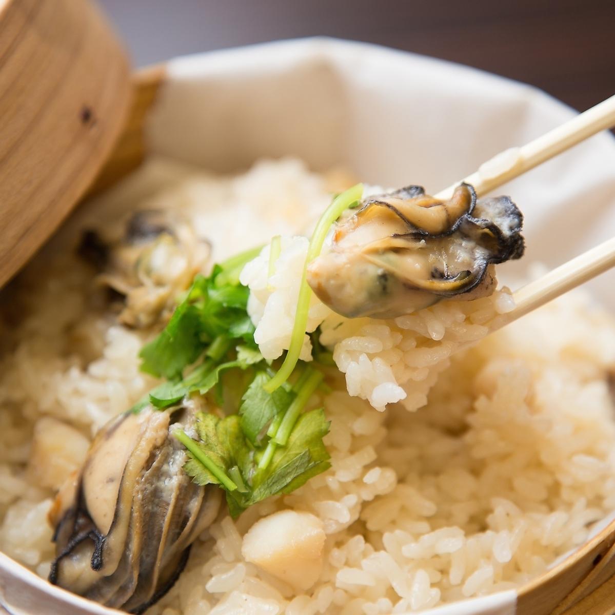 牡蠣と帆立貝柱の蒸しご飯