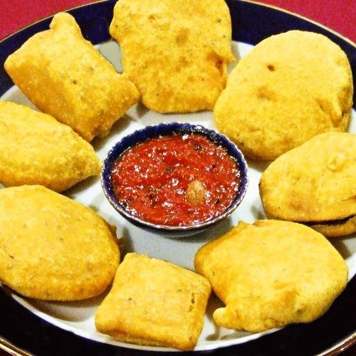 パコラ Vegetable Pokara