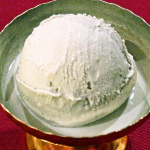 ゴマアイスクリーム Sesame Icecream