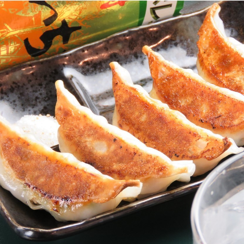 Several dumplings made from Hiroshima's local ingredients are offered as well as standard dumplings! Menu change once every 6 months! Since the recommended menu has been changed in 4 seasons, you can enjoy new menu any time!
